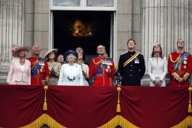 HB-queen_england-2