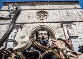 snake-festival-cocullo