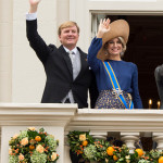 THE HAGUE, NETHERLANDS - SEPTEMBER 20:  King Willem-Alexander of the Netherlands and Queen Maxima of the Netherlands on the balcony of The Noordeinde Palace during Princes Day on September 20, 2016 in The Hague, Netherlands.  (Photo by Mark Cuthbert/UK Press via Getty Images )